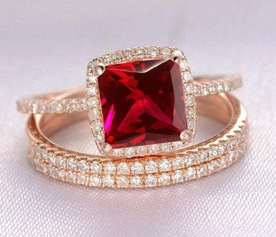 1.50 Carat Red Ruby Princess cut and Moissanite Diamond Engagement Bridal Trio Wedding Ring Set in 10k Rose Gold