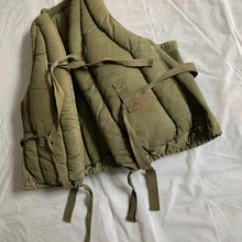 Load image into Gallery viewer, 1940s Vintage WW2 US Navy Kapok Life Jacket - Size OS