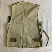 Load image into Gallery viewer, ss2001 Margiela Reconstructed Hunting Vest - Size M