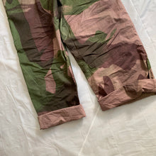 Load image into Gallery viewer, 1940s Vintage WW2 British SAS Brush Camo Pants - Size XXL