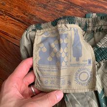 Load image into Gallery viewer, aw2001 Vintage Maharishi x Futura Labs Splinter Camo Pattern Shorts - Size M