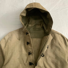 Load image into Gallery viewer, 1940s Vintage WW2 US Navy Faded Khaki Smock - Size L