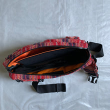Load image into Gallery viewer, ss2005 Junya Watanabe Navajo Waistbag - Size OS