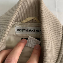 Load image into Gallery viewer, aw2000 Issey Miyake Beige X-Ray Cargo Vest - Size L
