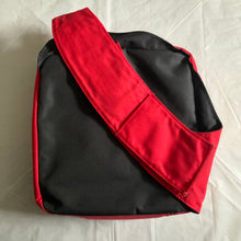 Load image into Gallery viewer, 2000s Vexed Generation Red Cross Body Bag - Size L