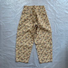 Load image into Gallery viewer, aw2011 CDGH+ Beige Gobelin Tapestry Floral Double Pleated Trouser - Size XS