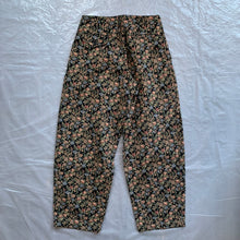 Load image into Gallery viewer, aw2011 CDGH+ Black Gobelin Tapestry Floral Double Pleated Trouser - Size S