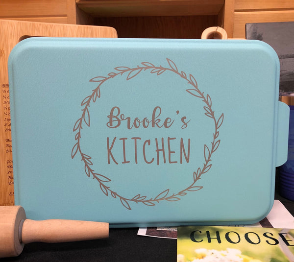 Personalized Aluminum Baking Pan with Lid. Engraved Cake Pan. Grandma Baking Pan. - C & A Engraving and Gifts