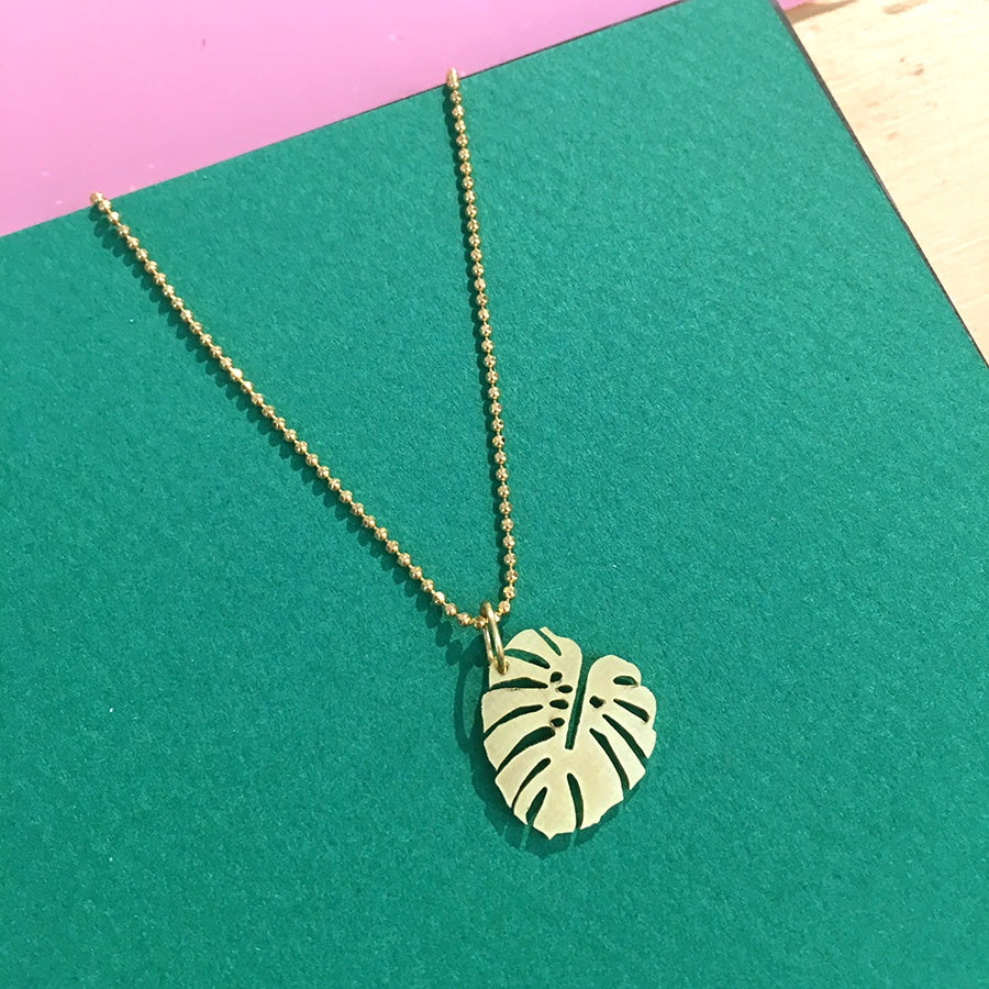 Monstera Golden Necklace