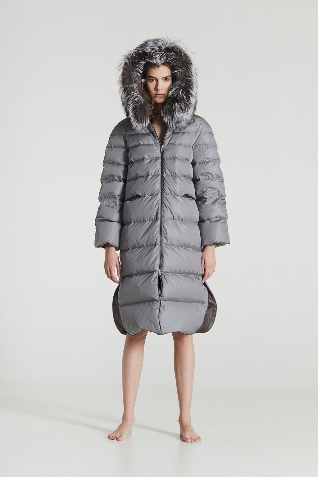 REBECCA MAXI / Silver Grey & Black Goose Down horizontally stitched Superlight Coat
