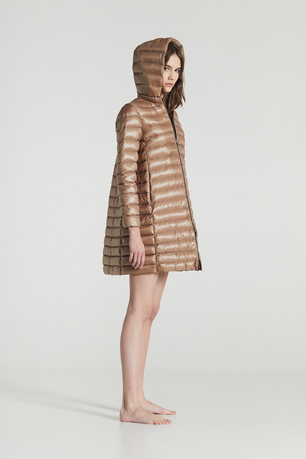 EMILY MIDI  / Beige Goose Down horizontally stitched Superlight Coat