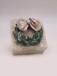 "Square 3"" x 3"" Box with Boxwood Wreath - Dove"