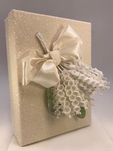 "Lily Invitation Box, 6"" x 8"" - Cream"