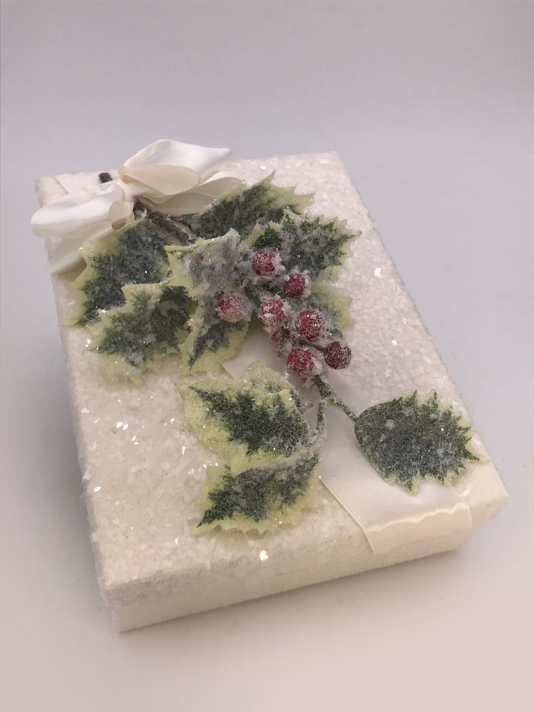 "Rectangle 5""x 7"" Holly Gift Box - Cream"