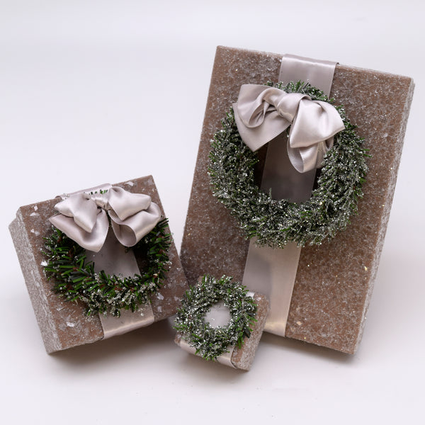 "Square 1.75"" x 1.75"" Ring Box with Pine Wreath - Mocha"