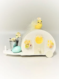 Spring Trailer with Peep - White