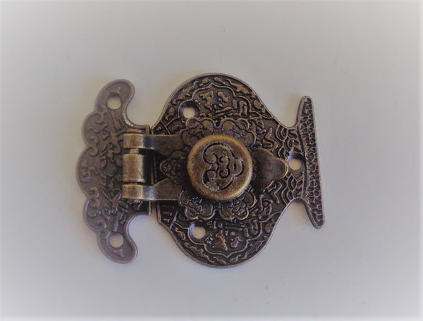 CRAFTY CONCEPTS - LARGE ROUND FANCY HINGE