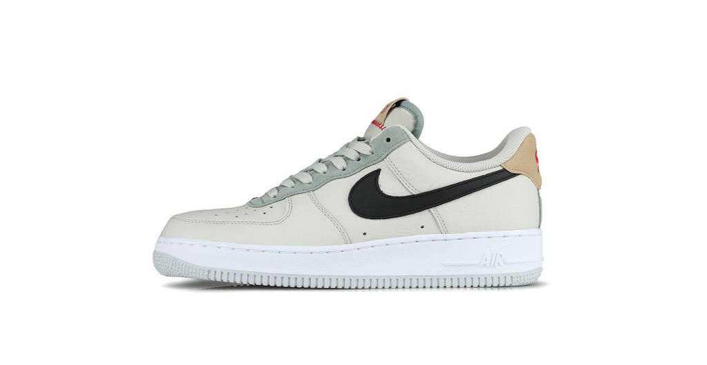 Nike Air Force 1 ´07  'Light Bone' | Foot Placard