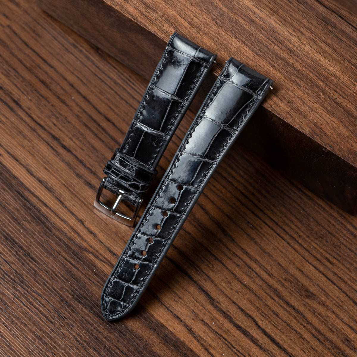 Glossy Deep Grey Alligator Signature Strap