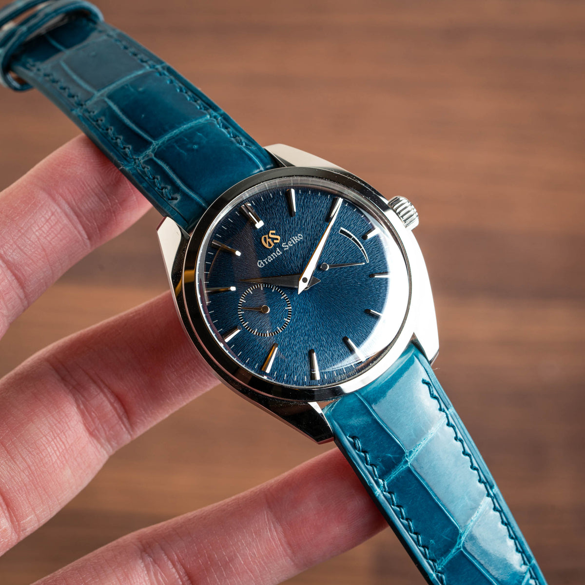 Glossy Topaz Blue Alligator Signature Strap