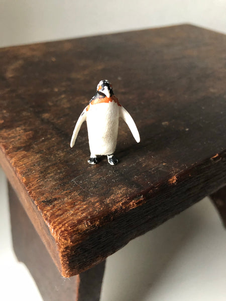 Trio of 1960s Penguin figures