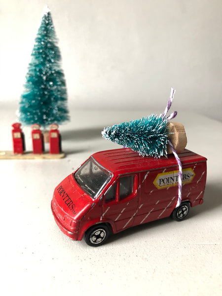 Home for Christmas - Vintage 'Pointers' Van