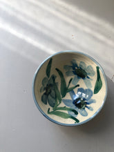 Load image into Gallery viewer, Small Vintage hand painted bowl