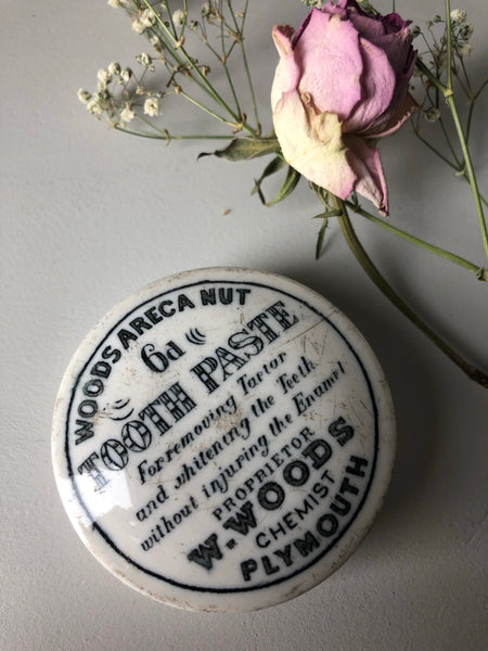 Antique Chemist Tooth Paste Pot Lid