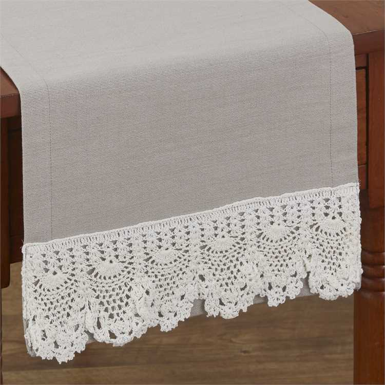 Chemin de table Vintage Crochet