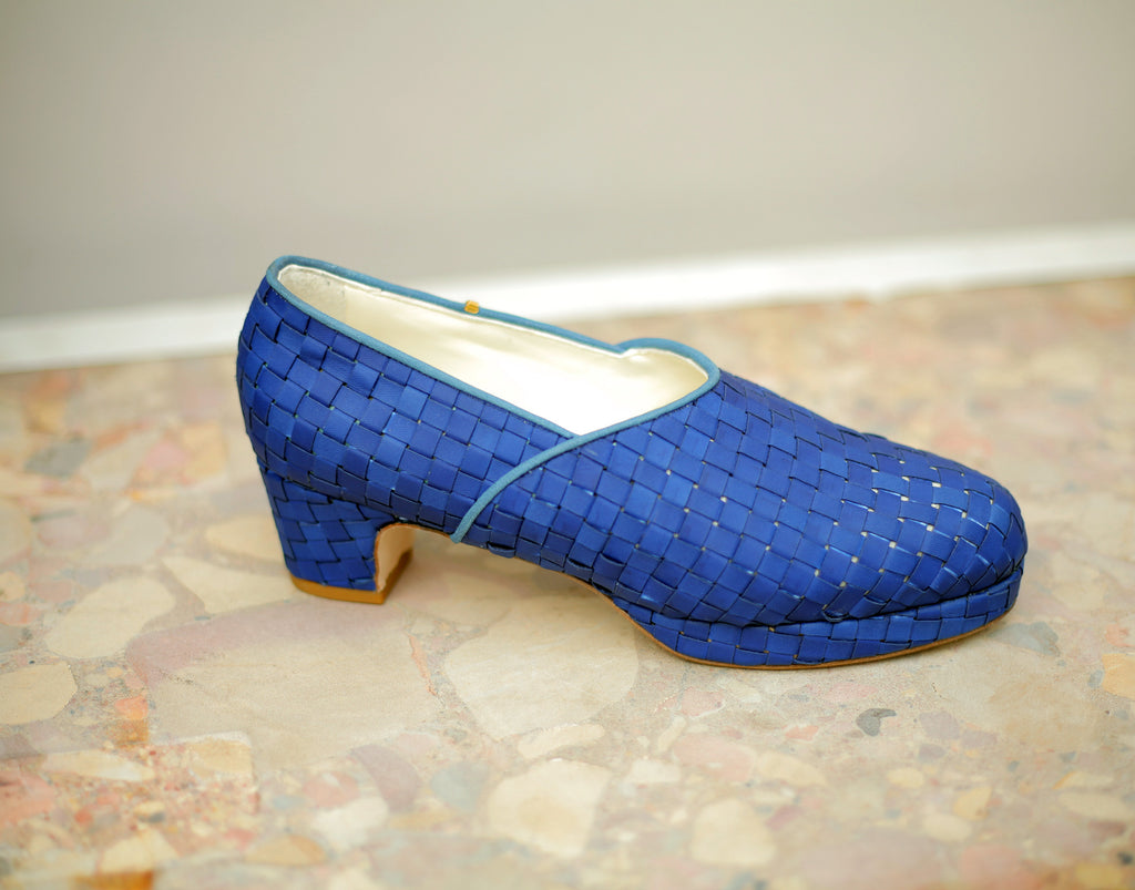The Beaux in woven blue