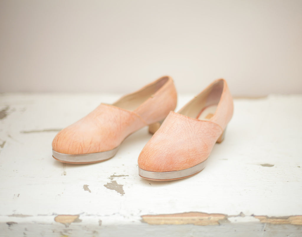 The Beaux in waxed rose