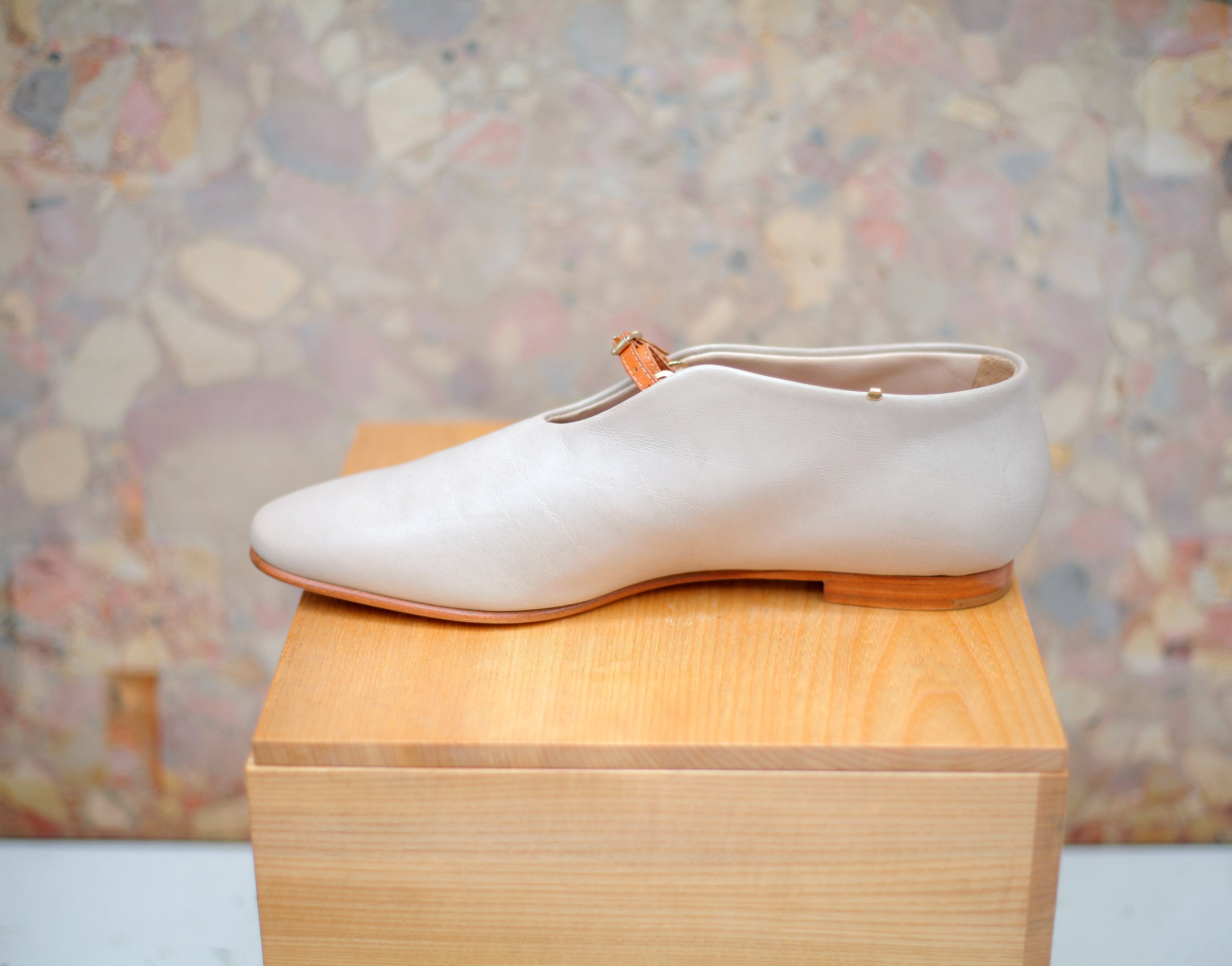 THE LAST CHANCE WATSON in ivory sz 38