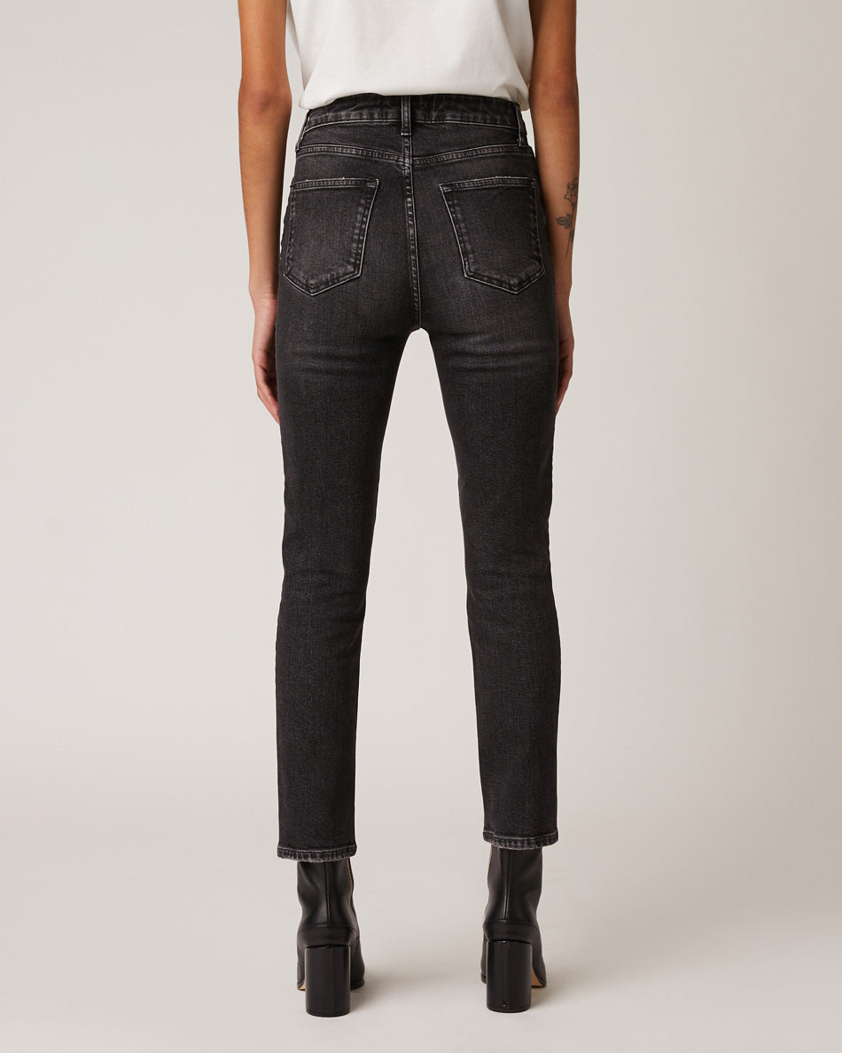 women-mgntc-straight-jeans-fit-guide-back