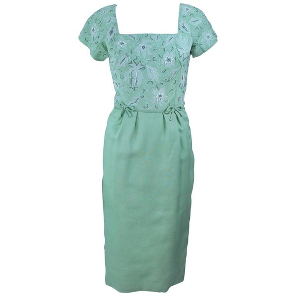 VINTAGE Circa 1950s Green Dress w/ White Floral Embroidery Size 2-4