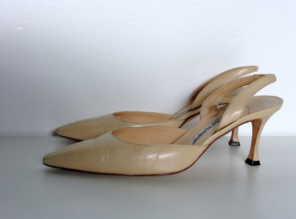 Manolo Blahnik Classic Nude leather point toe Slingback Heels size 37.5