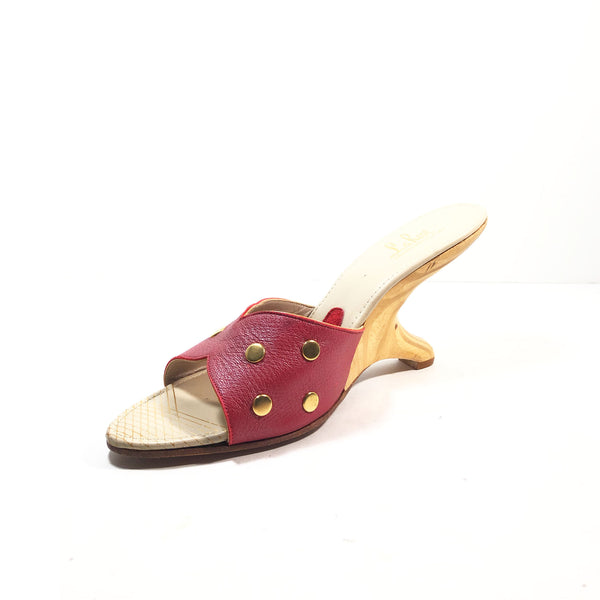 LA ROSE Red Leather w/ Gold Detail & Boomerang Heels Size 7.5