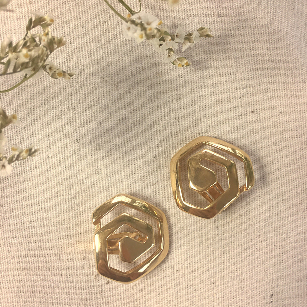Abstract clip ons