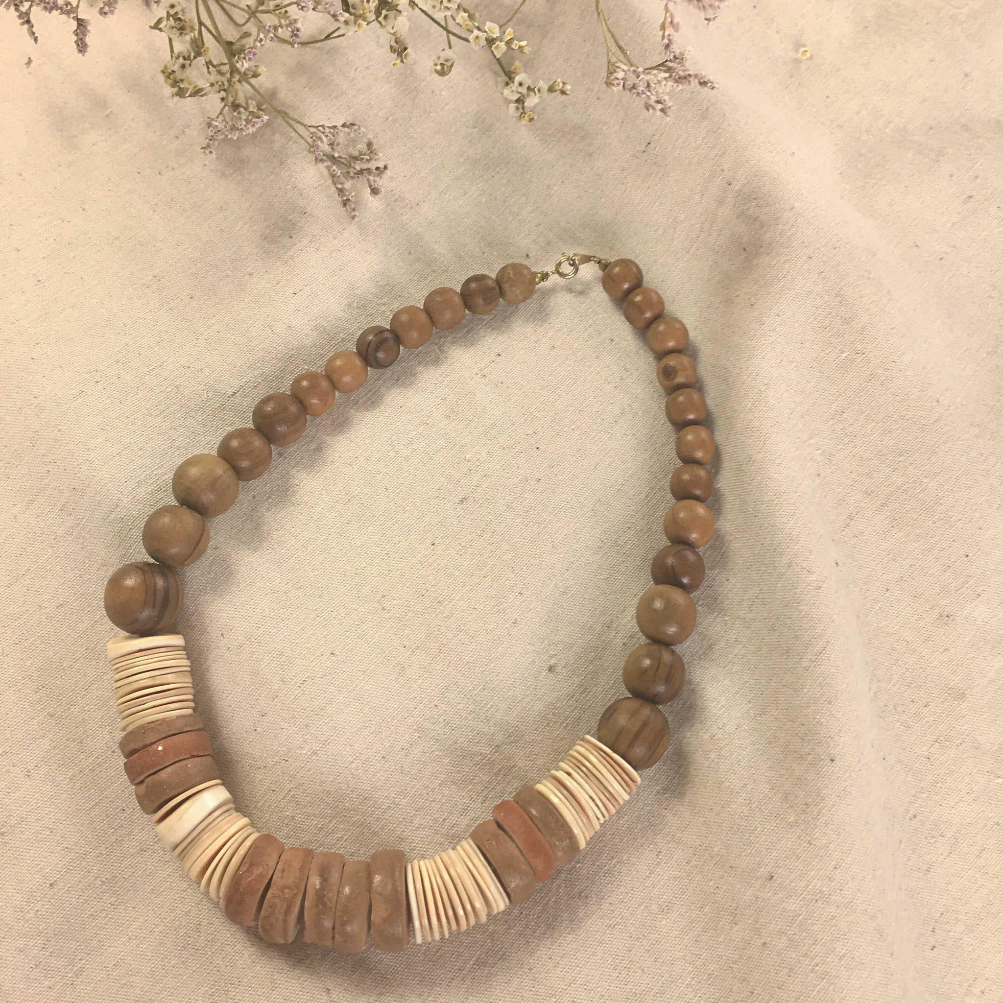 Necklace in mixed materials