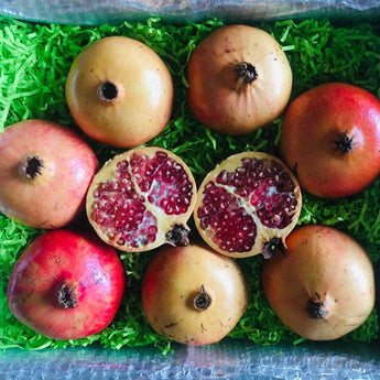 White Pomegranates Box (Granada Mollar de Elche) Tropical Fruit Box Specialty Box Large Box 00879502003334