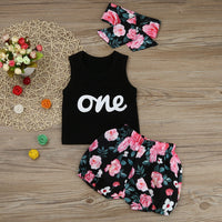 Sleeveless Black T-shirt Top and Print Short Pants and Headband
