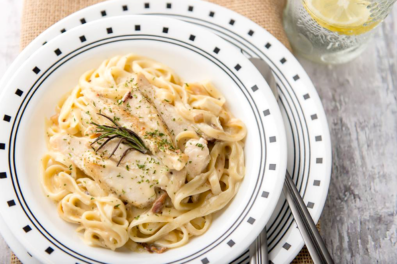 products/teresas-food-chicken-fettuccine-carbonara_2.png