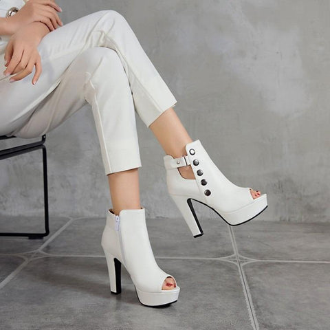 SUMMER STUDS  THICK HEELED SHOES WHITE