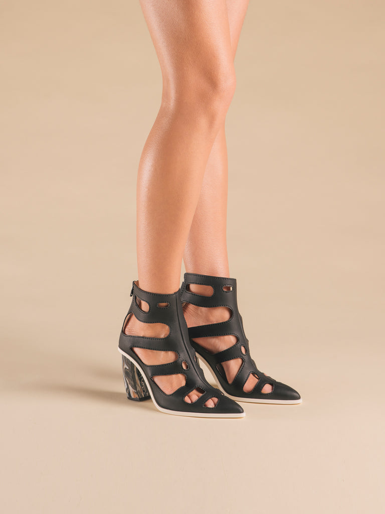 Rhizaria Boot-Sandals Black