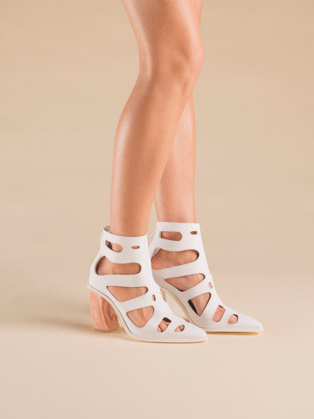 Rhizaria Boot-Sandals White