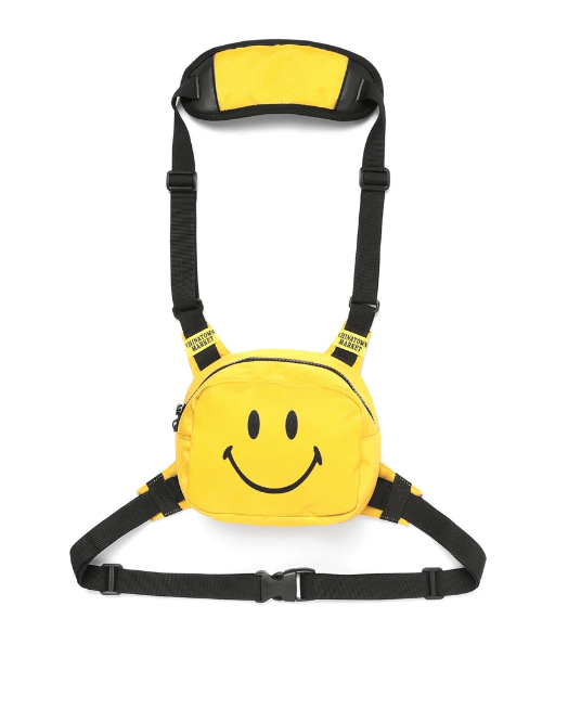 The Chinatown Market Smiley Chest Rig - Perriél