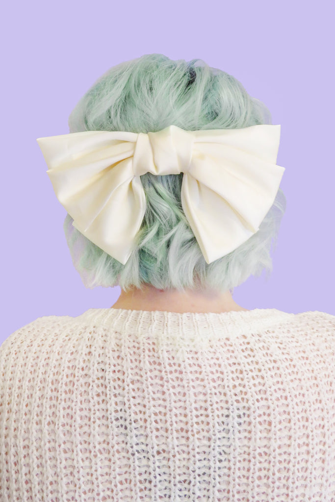 Blossom Oversized Hair Bow - Ivory