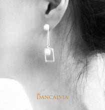 Load image into Gallery viewer, 925 Sterling Silver Earring With Mother Of Pearl