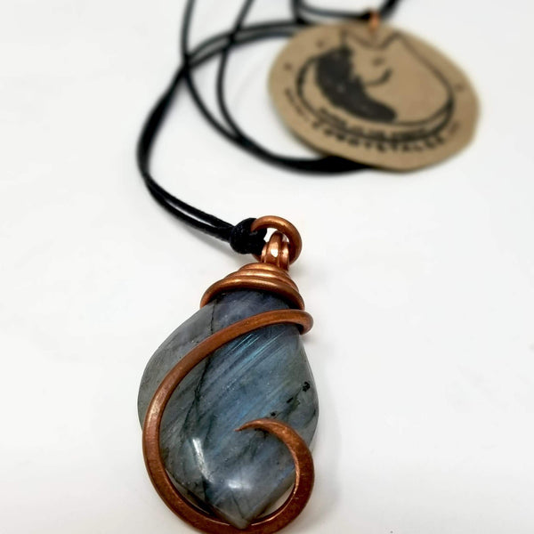 Labradorite with Copper Pendant by Coyote Tales - alter8.com