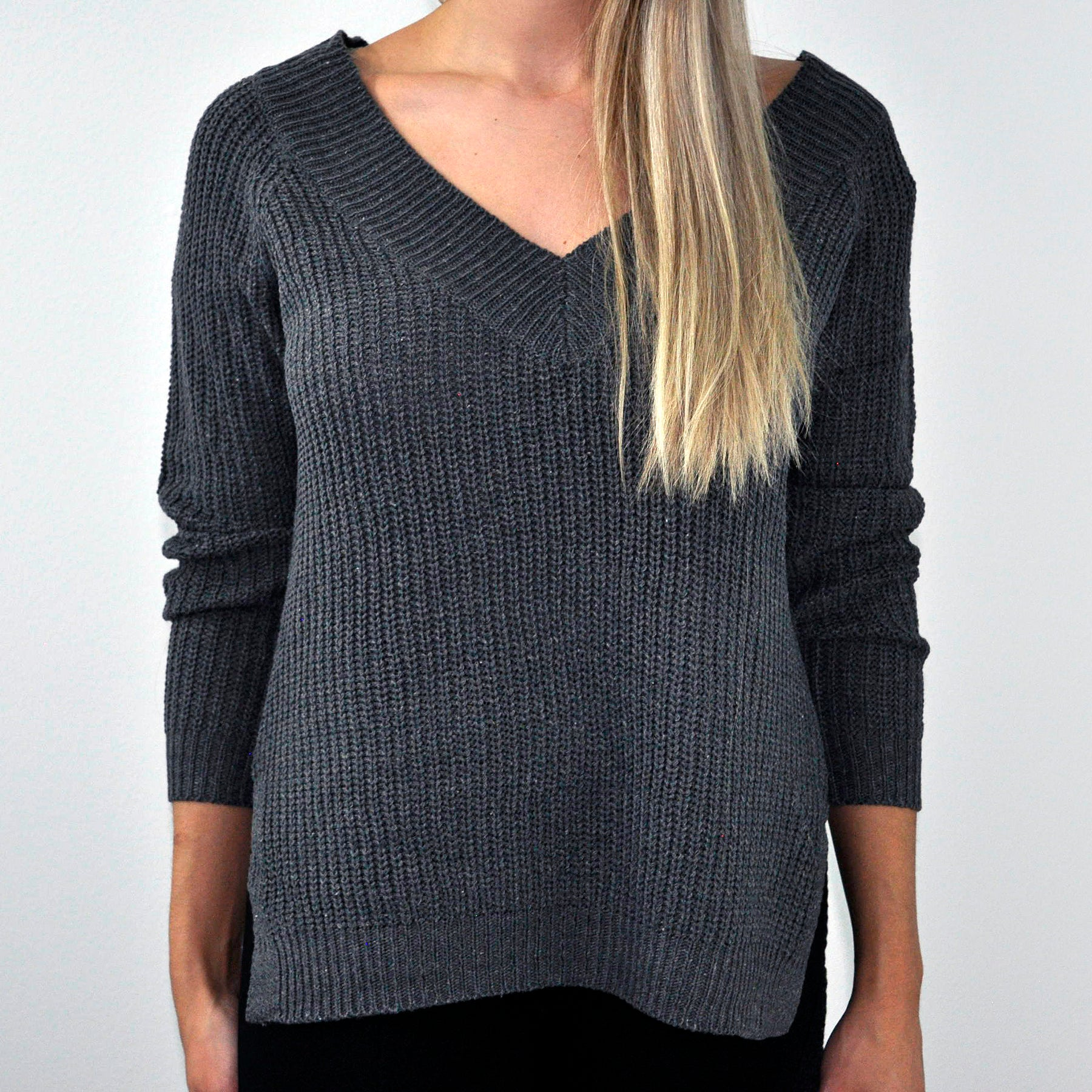 Knit V-Neck Sweater - SOИDER BOUTIQUE