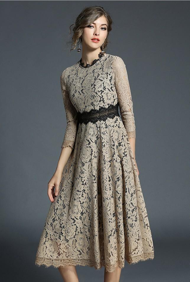 Retro Vintage Long-sleeved Hollow Lace Midi Dress